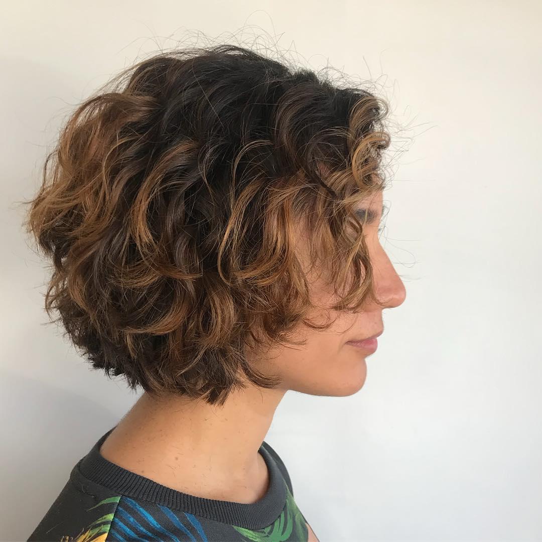 Taglio capelli corti e mossi
