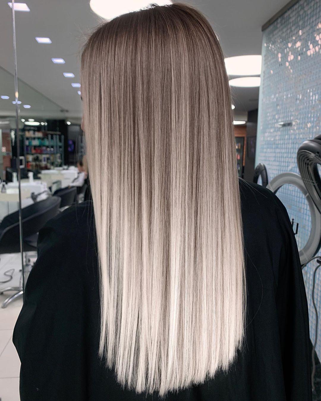 Capelli lunghi lisci con schiariture hairtouch