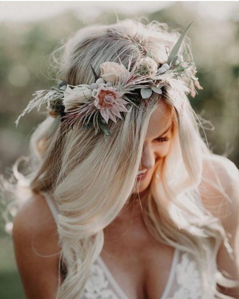 acconciatura sposa floreale