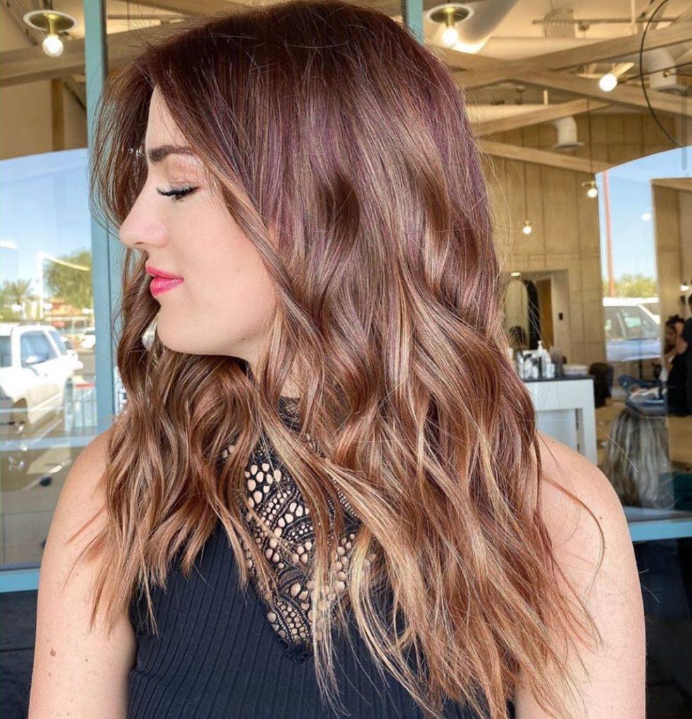 capelli-lunghi-autunnali-con-styling-mosso