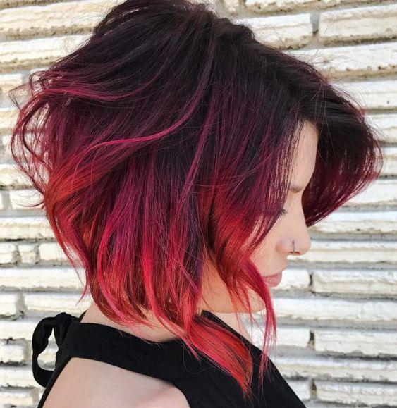 long-bob-rosso-con-styling-mosso-spettinato