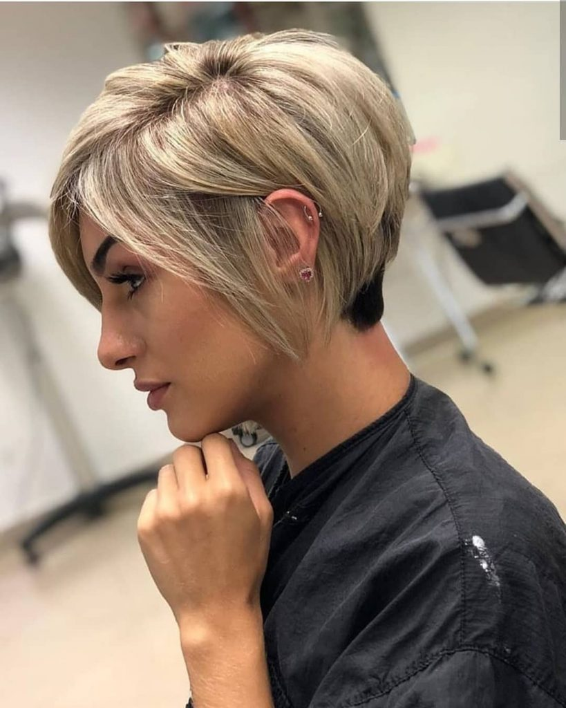 Pixie cut per capelli lisci e sottili