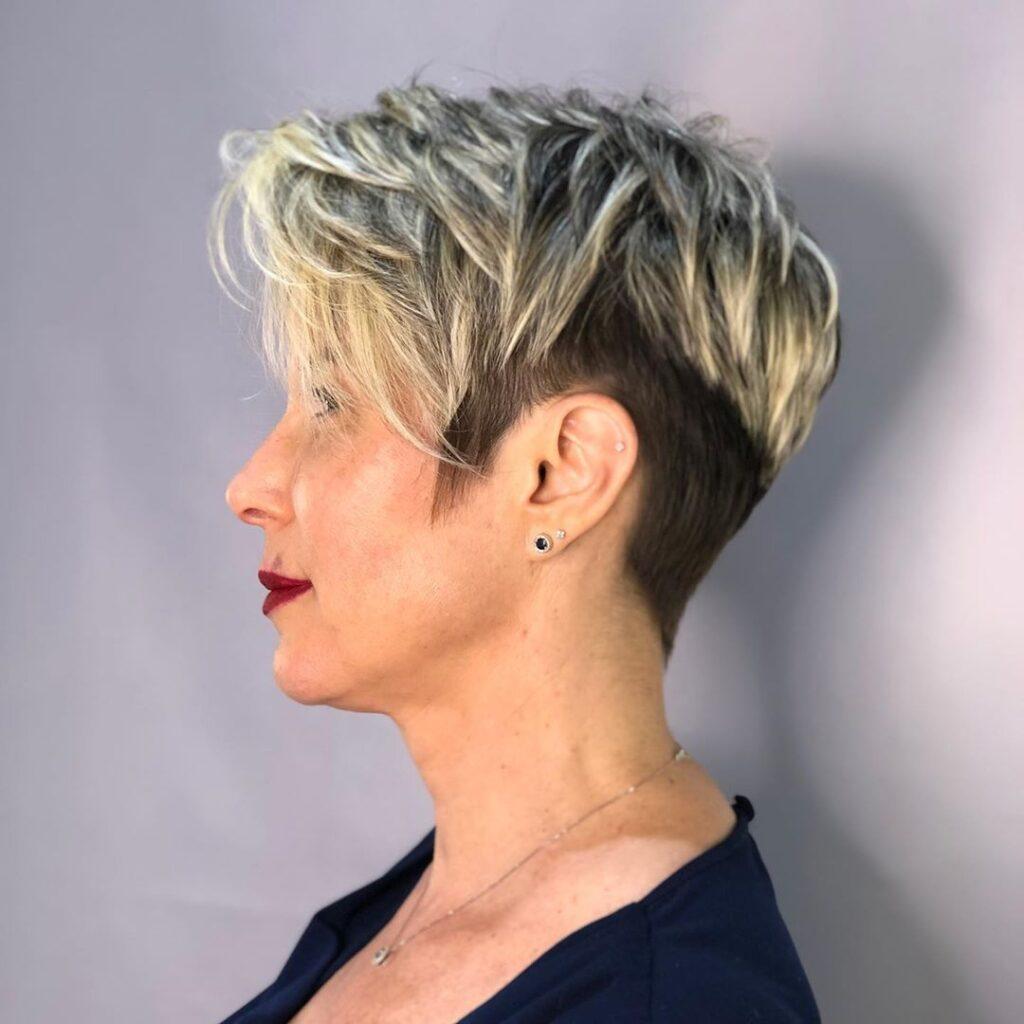 capelli cortissimi