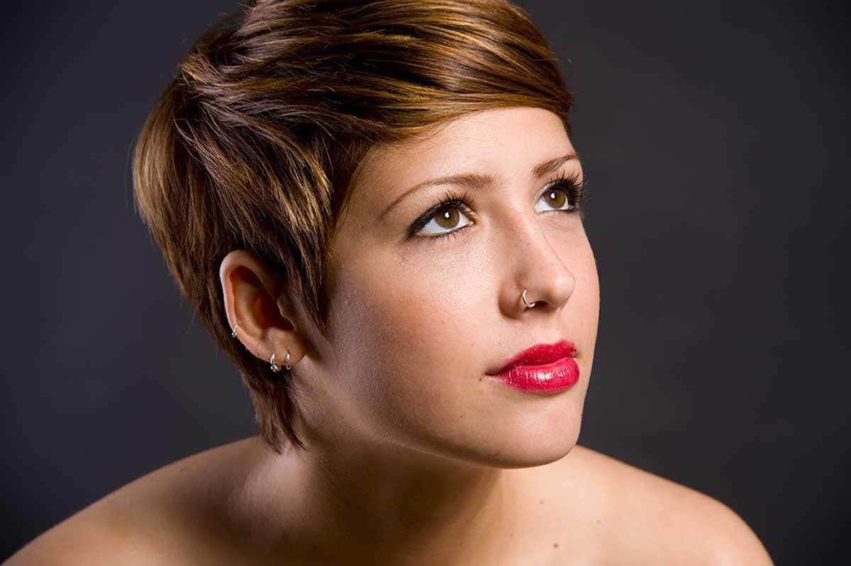 Pettinature semplici da realizzare per capelli corti e medi ideali