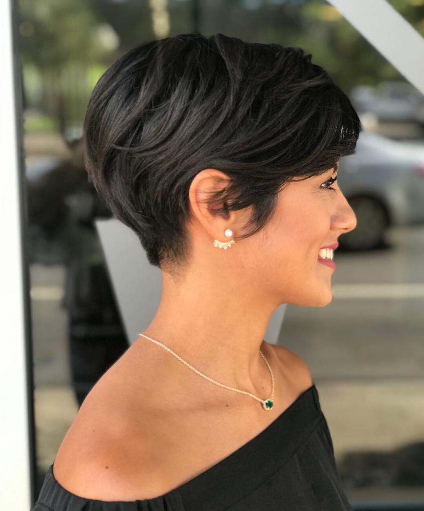 Taglio di capelli pixie corto