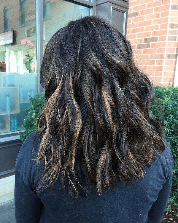 capelli cioccolato fondente con balayage