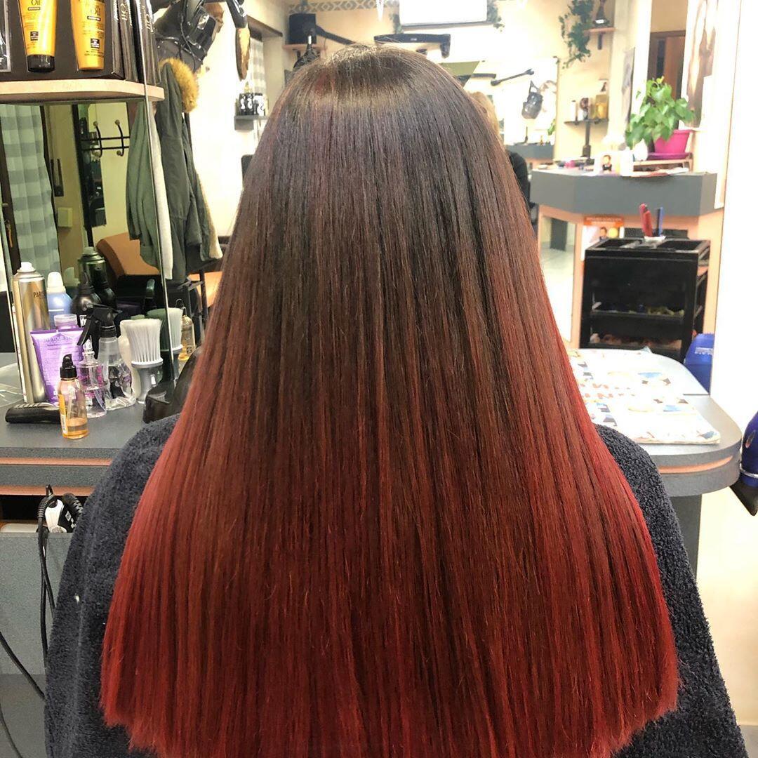 Shatush rosso su capelli liscio estremo