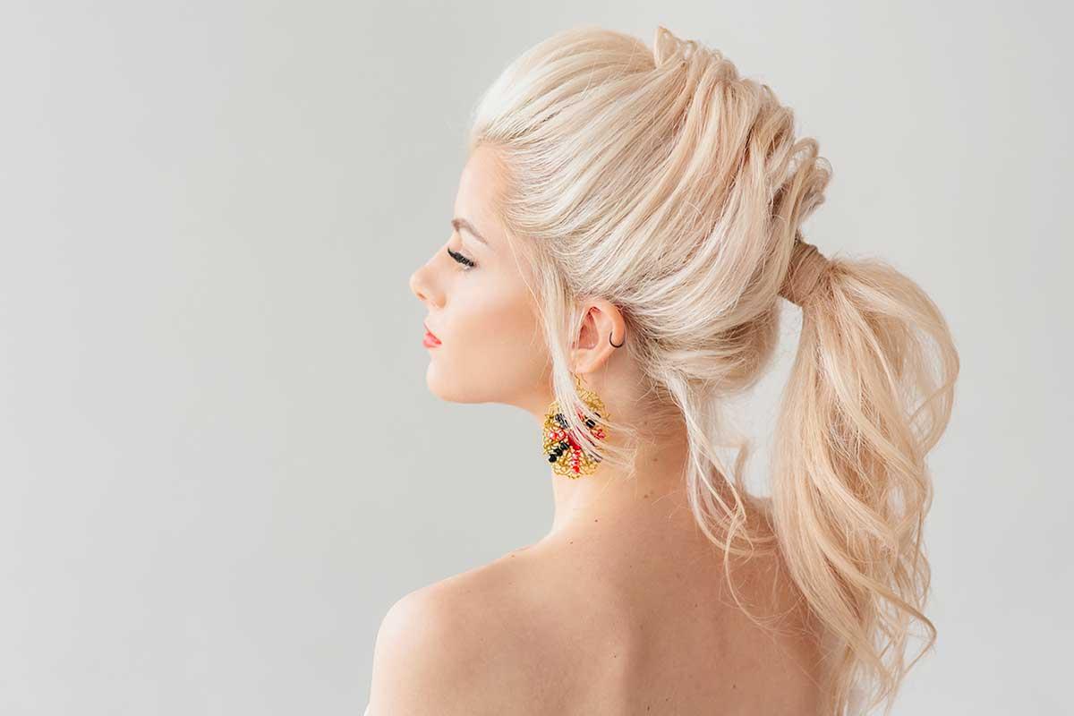 Come prendersi cura dei capelli a casa: una guida completa