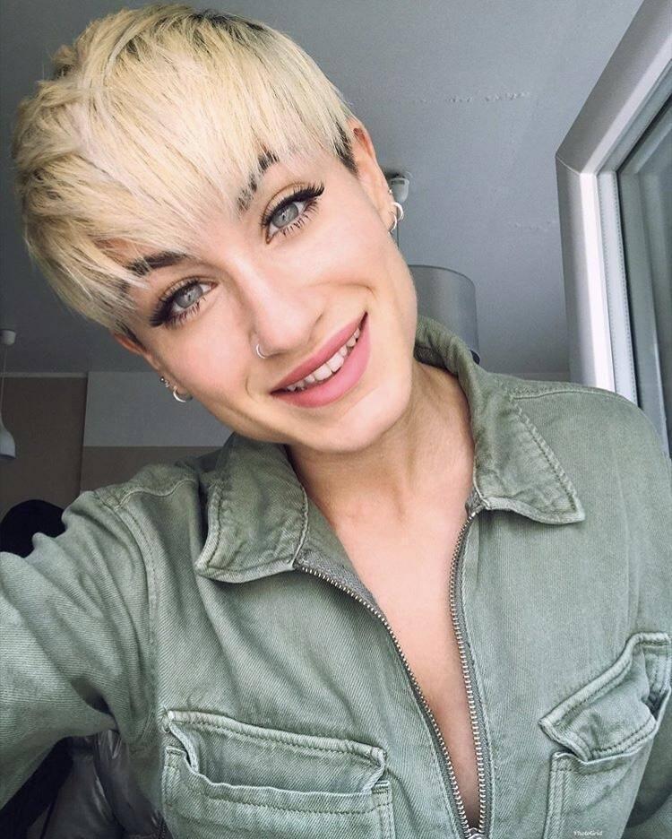 Pixie cut cortissimo con ombre hair biondo