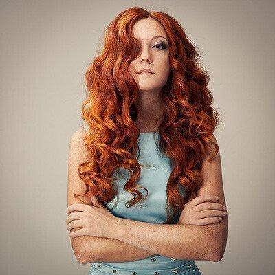 capelli ricci rossi